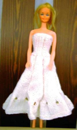Barbiekleider Selbstgestrickt